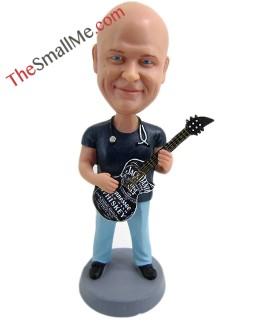 Male guitarist 1611