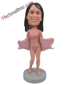 Swimsuit modeling bobbleheads2109