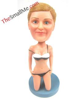 Swimsuit modeling bobbleheads 2110